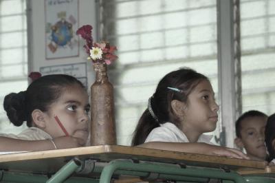 20121018185232-honduras-educacin-1-.jpg